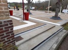 Pose de différents équipements pour la mise aux normes des escaliers de la mairie de Beuvillers.