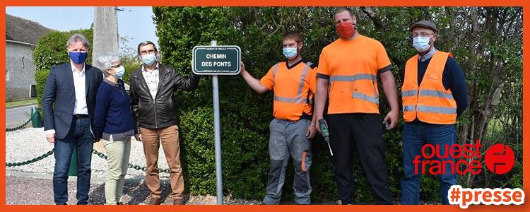 Début de la pose des plaques de rue que nous avons réalisé pour la commune de Mézidon-Vallée-d'Auge (14).